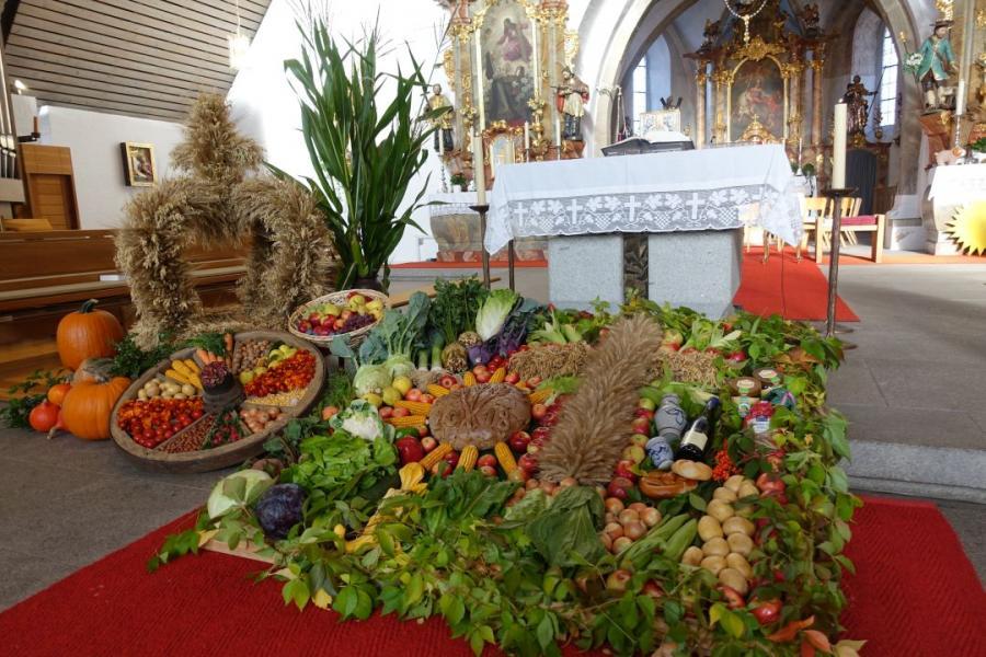 """feste und brauche weltweit die mit dem erntedankfest verwandt sind, pfarrgemeinde st. martin miltach - pfarrgemeinde """"st. martin"""" miltach, Innenarchitektur"""