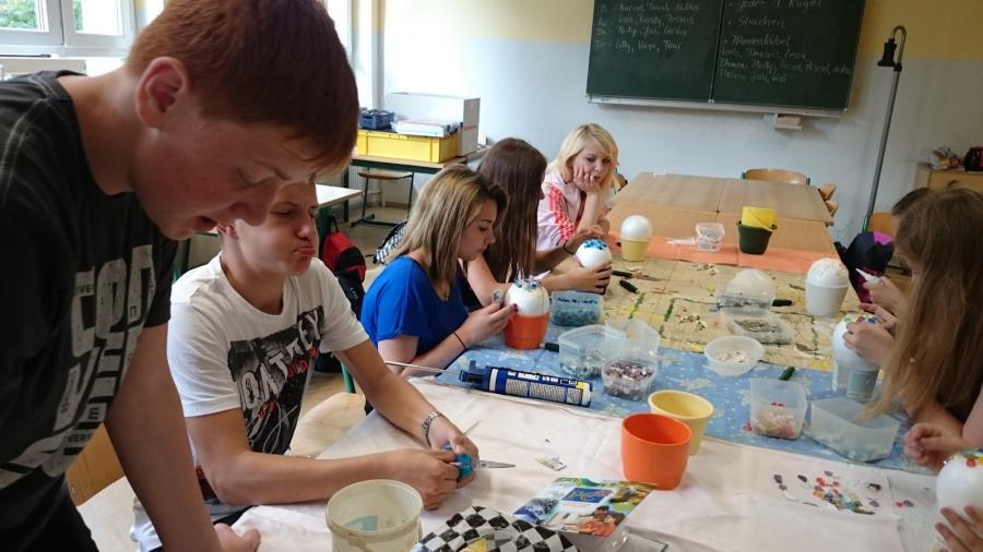 Licht und Farbe machen die Schule bunter 1