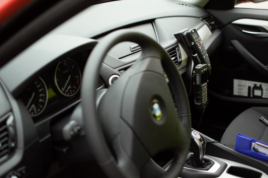 Fahrzeugfunk und Handbedienteil für Sondersignalanlage
