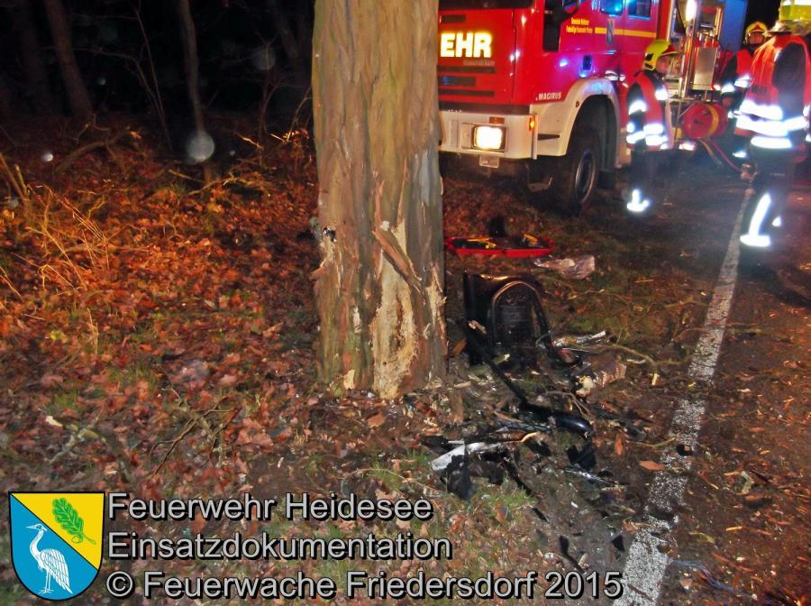 Einsatz 174/2015 | PKW gegen Baum | L39 Blossin | 29.12.2015