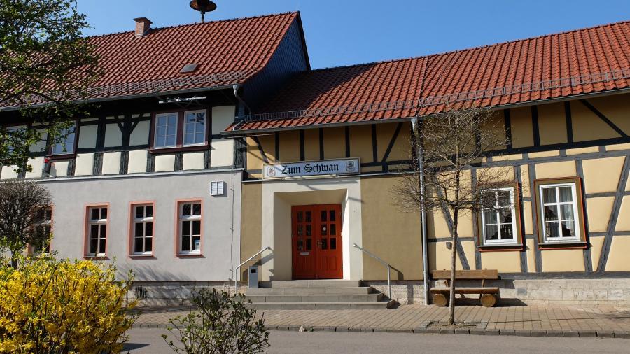 """Dorfgemeinschaftshaus mit Gaststätte """"Zum Schwan"""""""