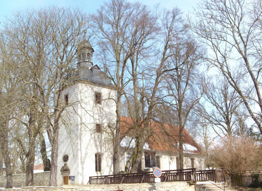 Kirche St. Levin im Winter