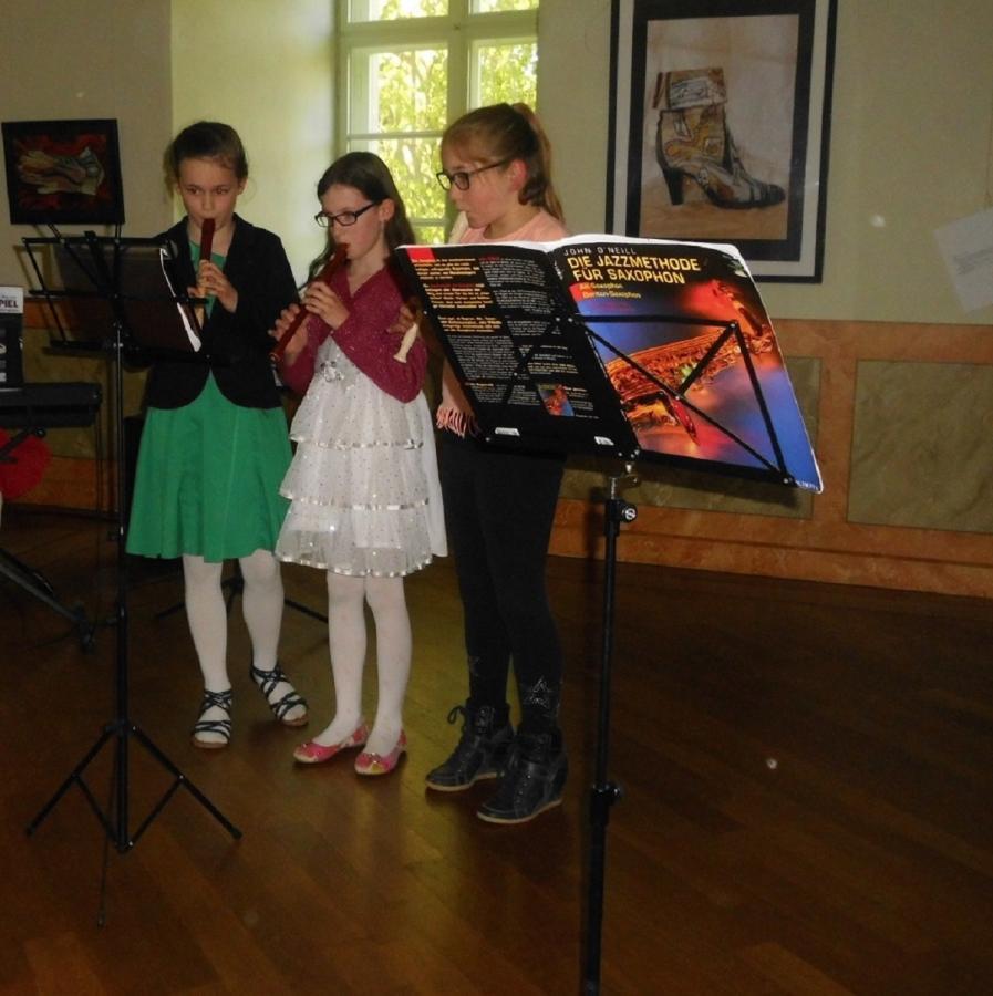 Unsere Schülerinnen und Schüler hochkonzentriert bei ihren Auftritten