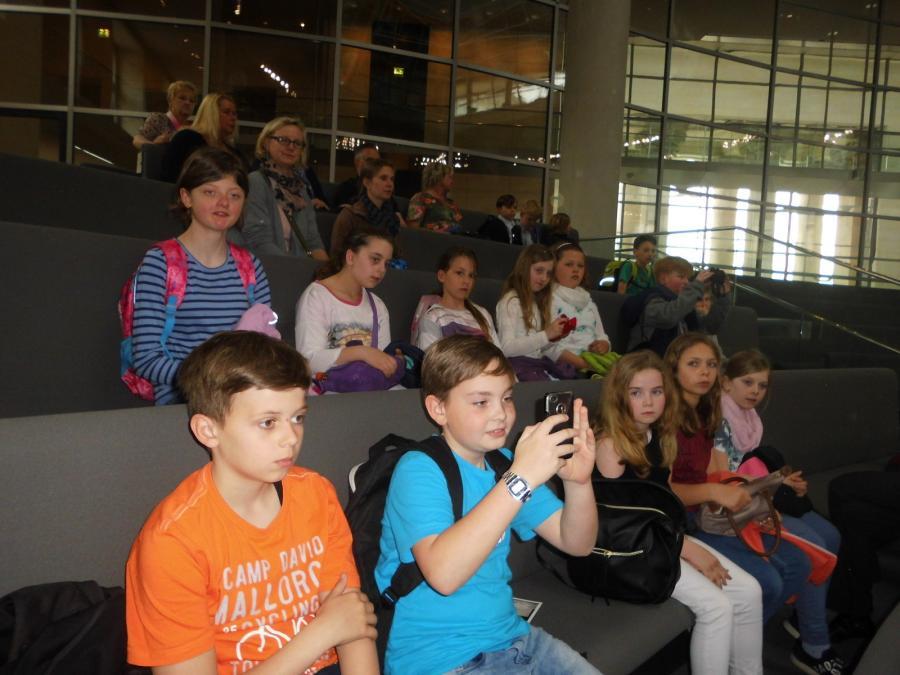 Bundestag Klasse 4a 2017