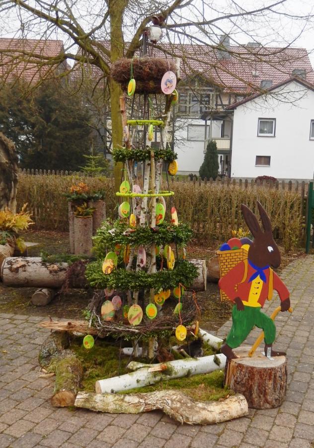 Dorfplatz Ostern 2015