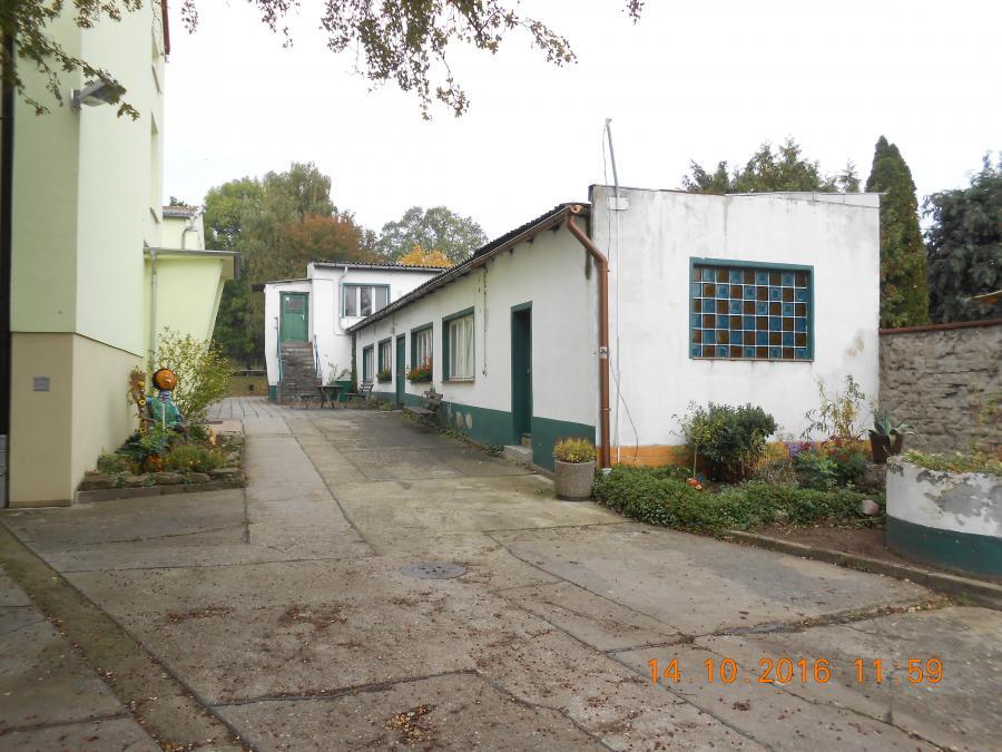 Nebengebäude2