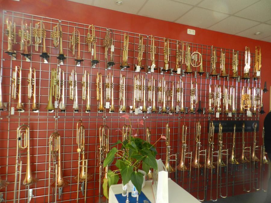 Verkaufsraum Instrumentenbau