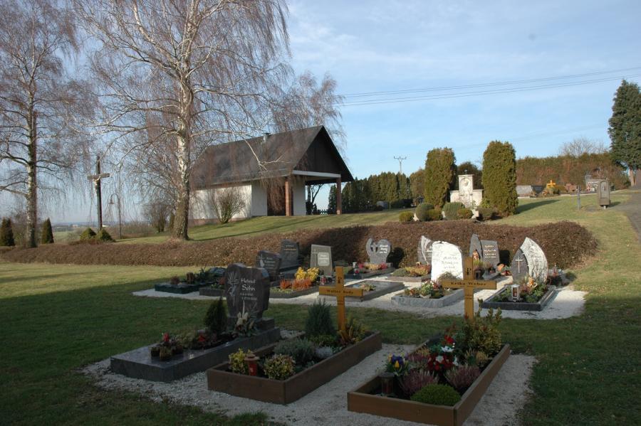 Friedhof neues Grabfeld