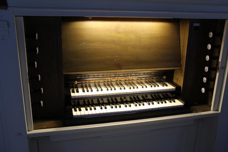 6.3.-orgel-spieltisch.jpg
