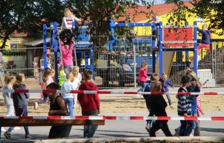 neu gestalteter Schulhof Grundschule Seelow