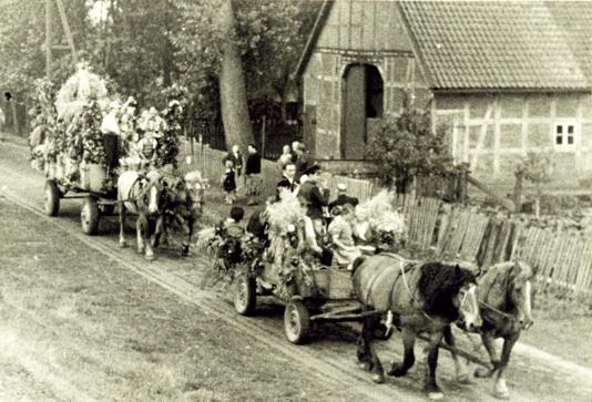 Erntefest-Umzug etwa 1950