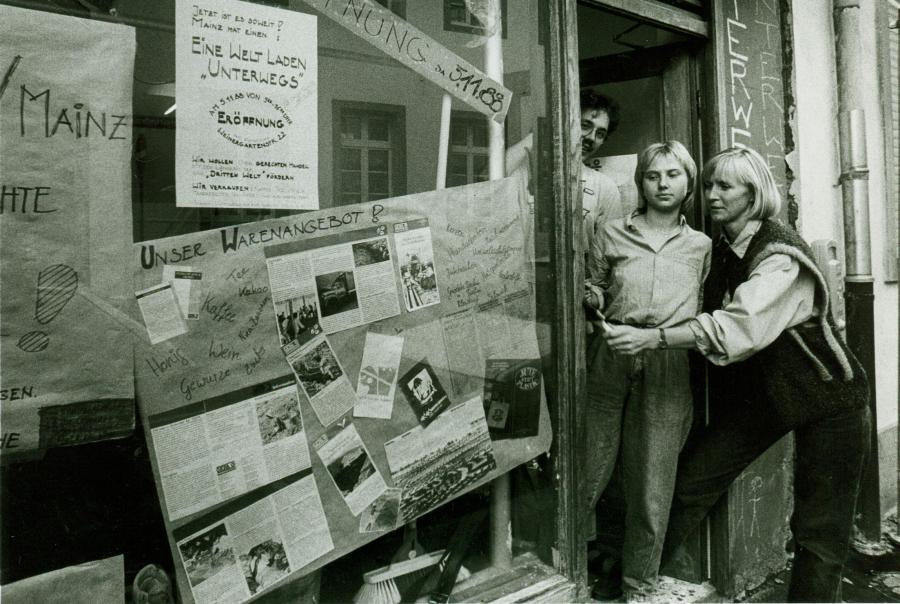 Im November 1988 eröffnete der Verein Unterwegs für eine gerechte Welt e.V. auch den ersten Weltladen Unterwegs in Mainz