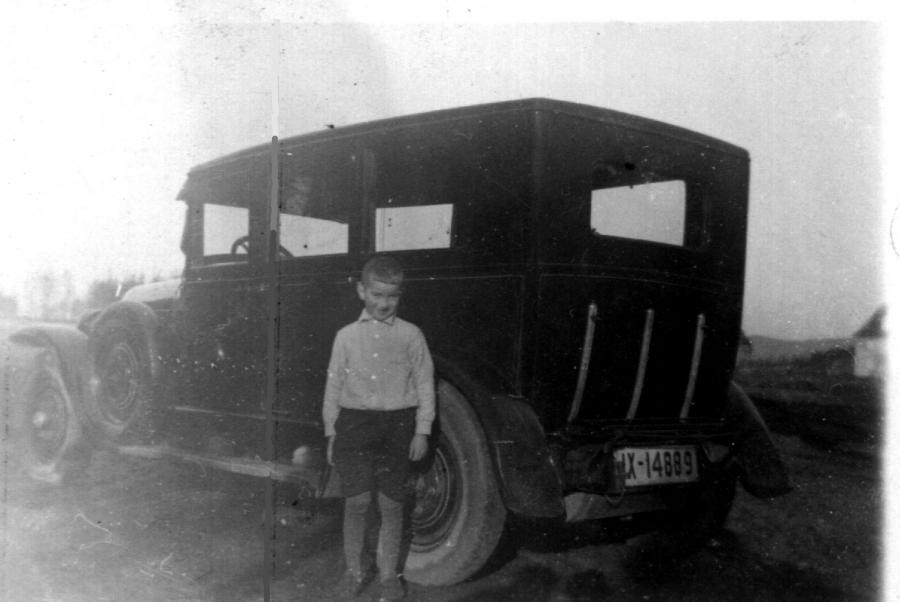 erster Mietwagen 1928 mit Sohn Gerhard