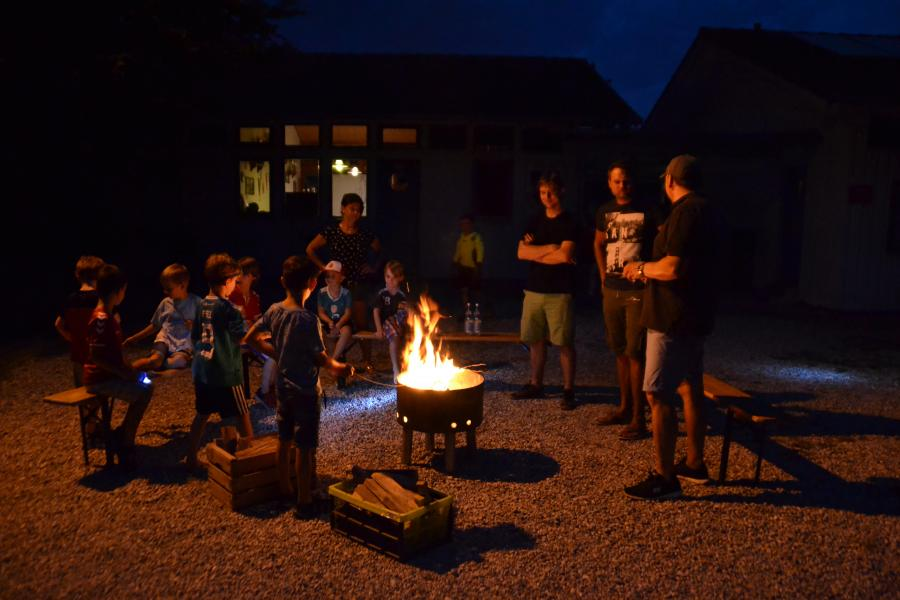 F2+G-Sommerfest-Lagerfeuer