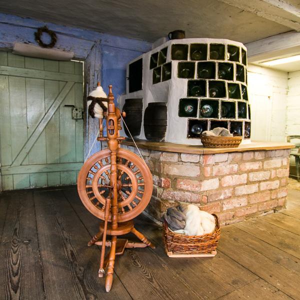 Stube mit Spinnrad_Freilandmuseum Lehde_ Foto: Museum OSL