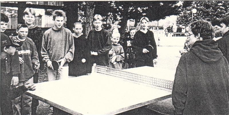 neue Tischtennisplatte