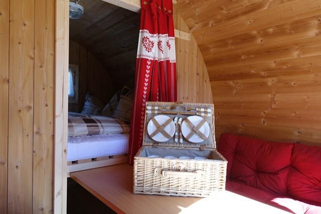 Unsere Wohnfässer sind echte Mini-Hotels mit allem, was der Camper braucht.