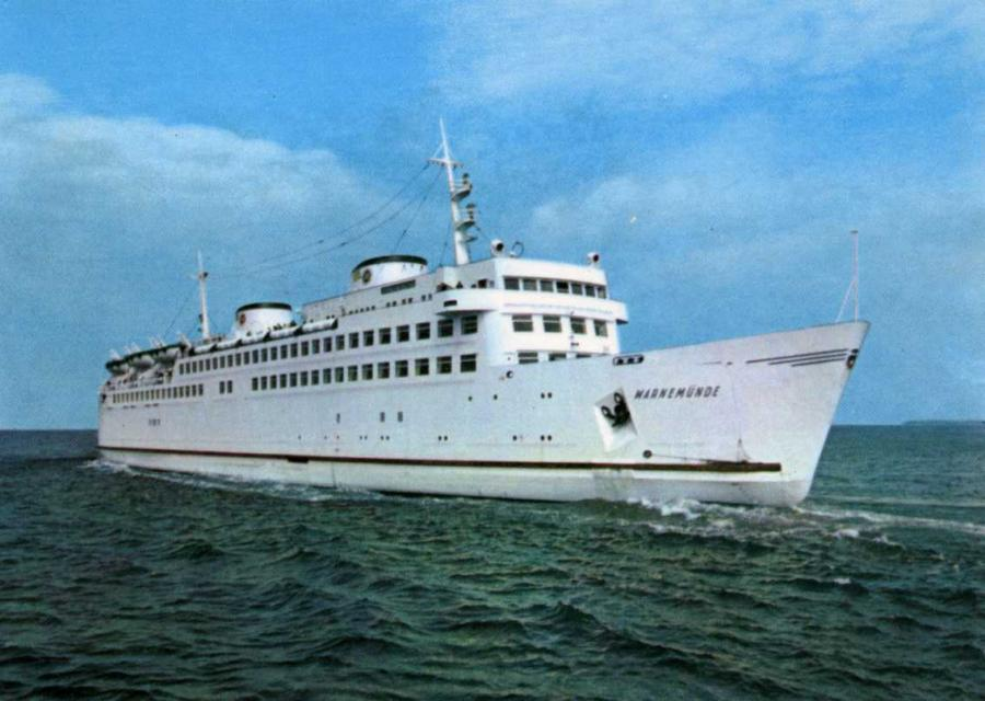 Fährschiff Warnemünde 1970