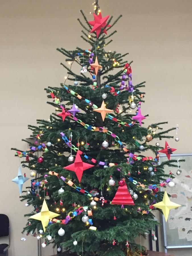 geschmückter Weihnachtsbaum GGS