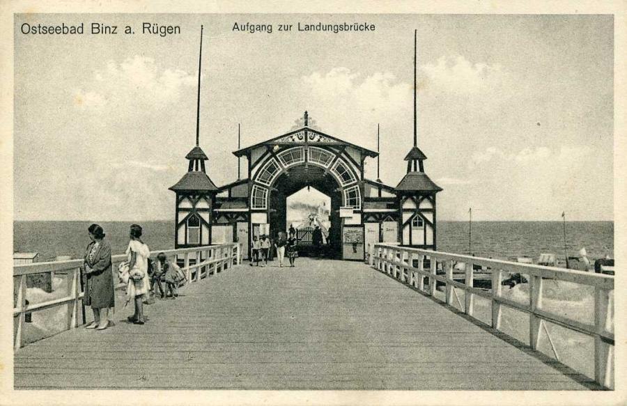 Ostseebad Binz Aufgang zur Landungsbrücke