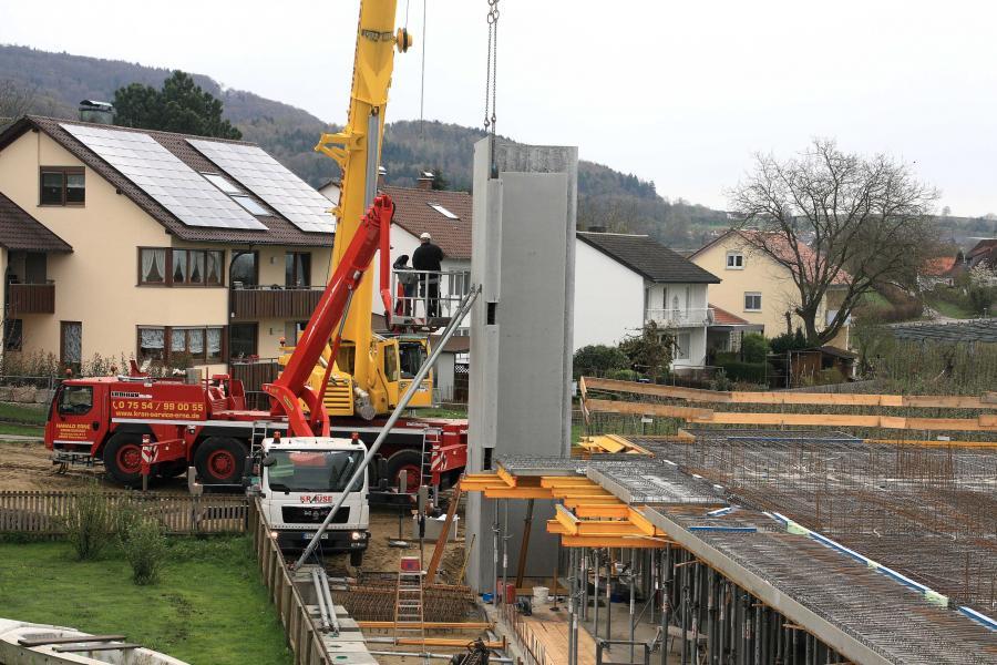 Errichtung des Aufzugturms 1