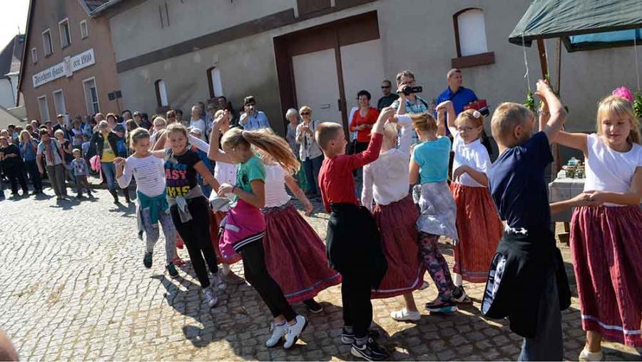 geinemsam Tanz der Annemarie Polka