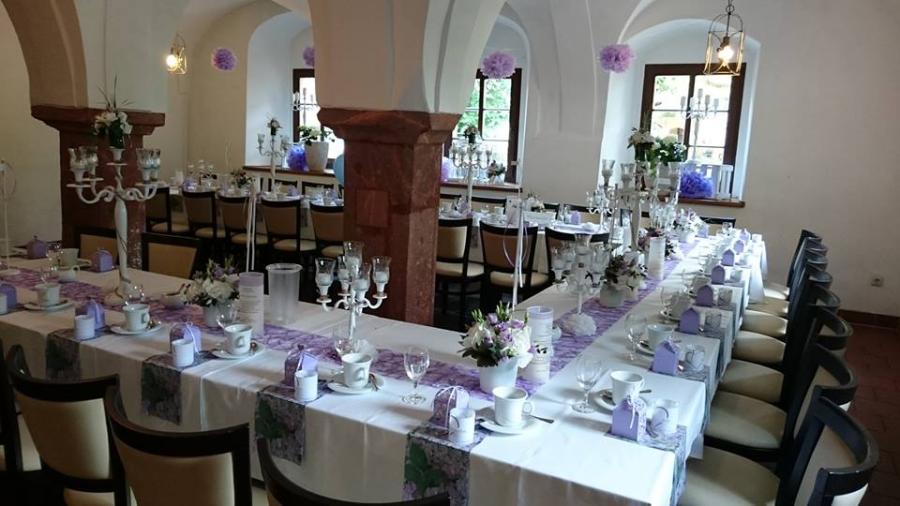 Festtafel im Saal des Schlossgewölbes
