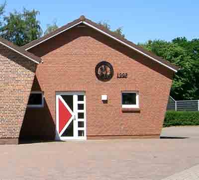 Zu sehen ist der Anbau des Schulungsraum der im Jahr 1998 errichtet wurde