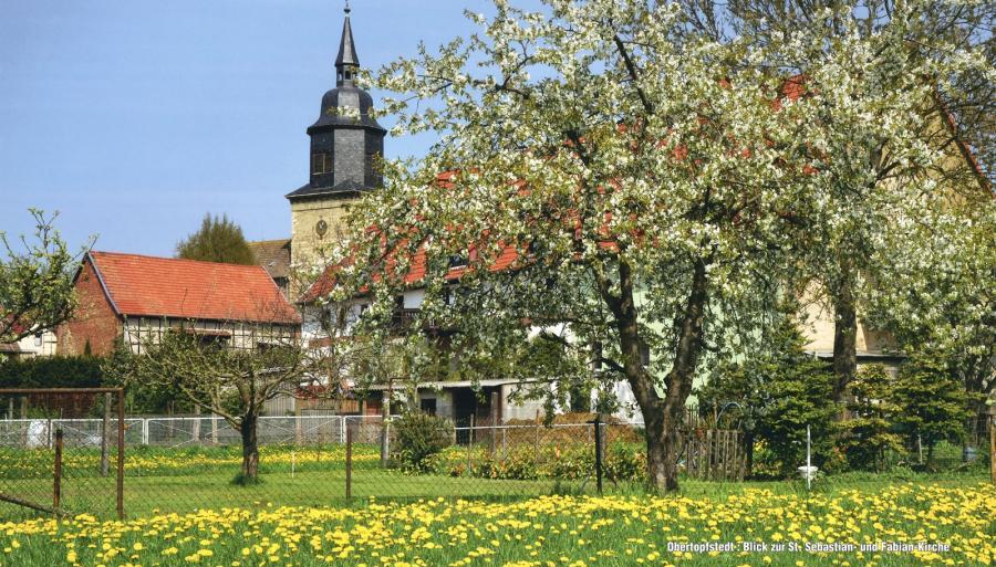 Kirche St. Sebastian und Fabian in Obertopfstedt
