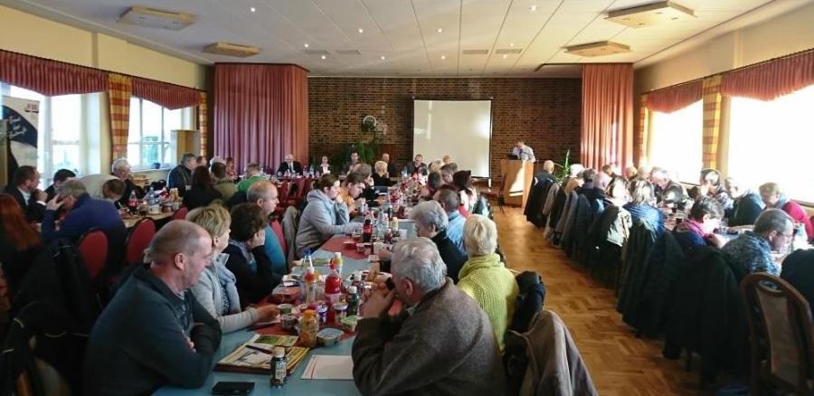 Teilnehmer der Milchkonferenz in Bronkow