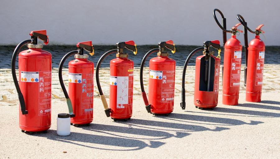 fire-extinguisher-712975_1280