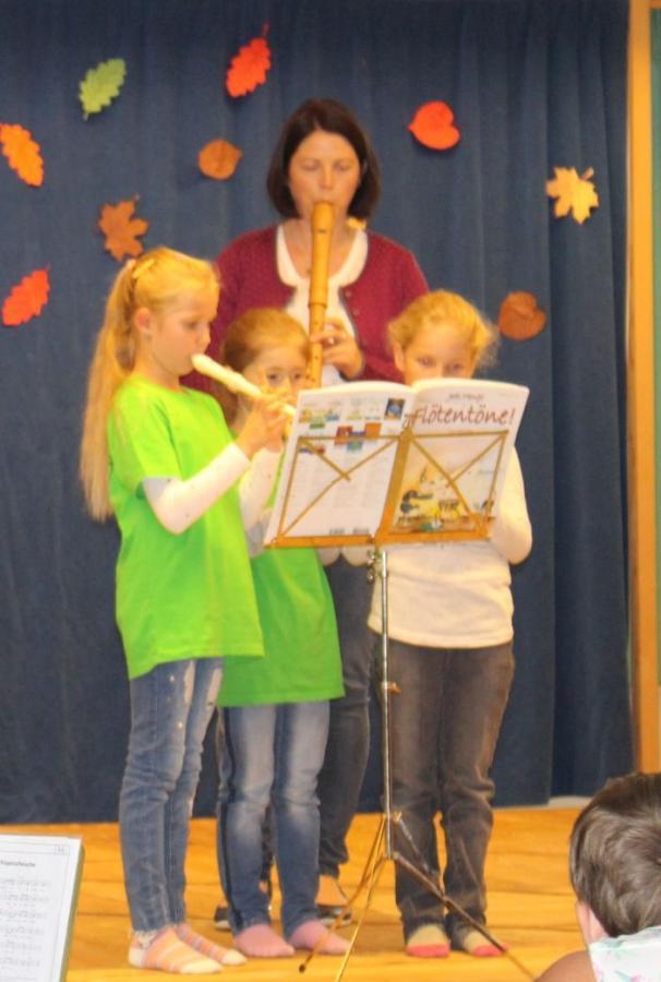 Flötenspielerinnen