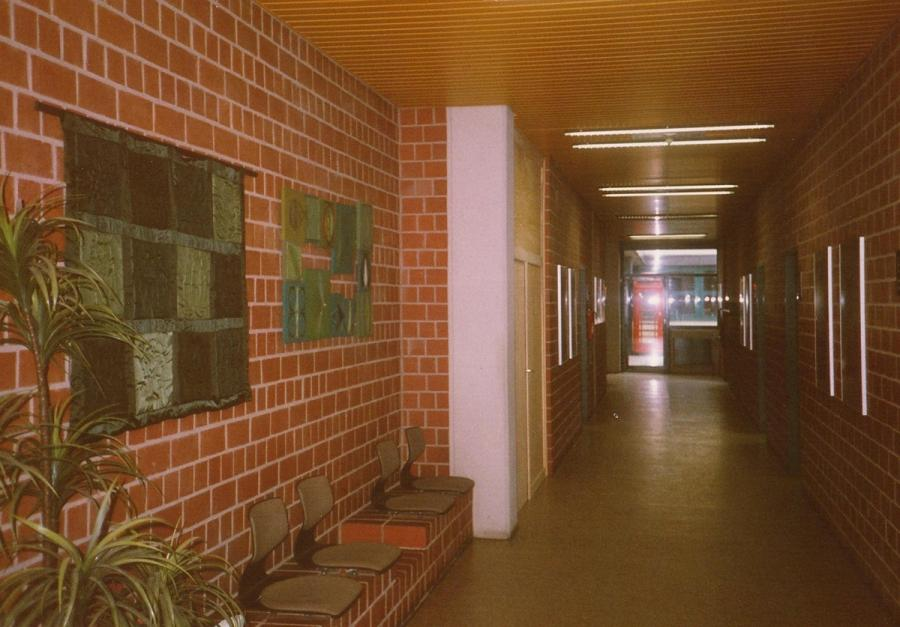 Flur vor dem Lehrerzimmer