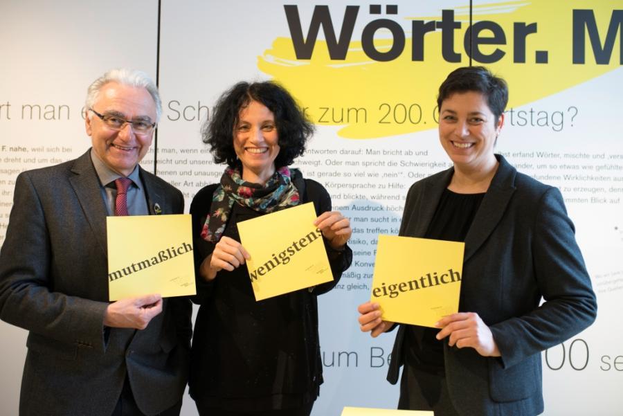 Dr. Kurt Winkler, Prof. Dr. Heike Gfrereis, Museumsleiterin Maja Peers-Oeljeschläger