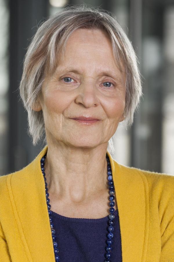 Dr. Almut Satrapa-Schill