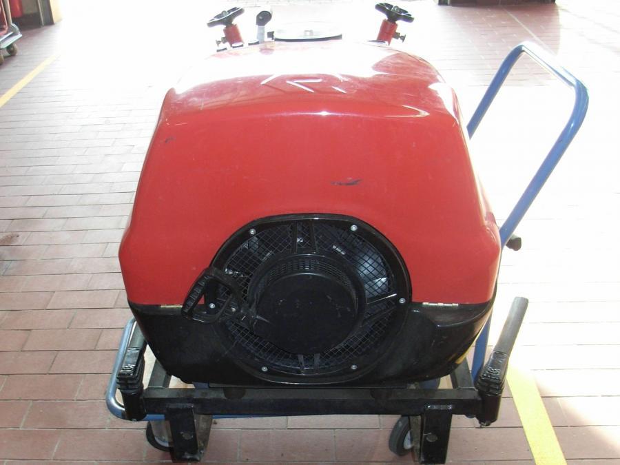 TS8 Fox - Motorseite