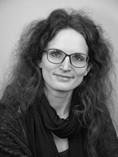 Frau Lisa Kadelke