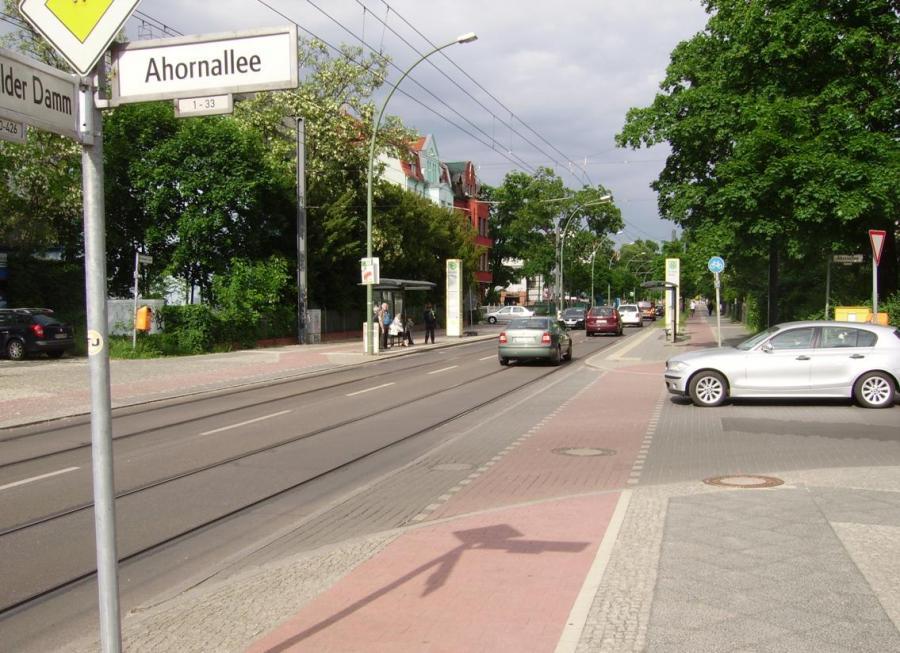 FuewaDammEckeAhornallee-VerkehrBerlin2