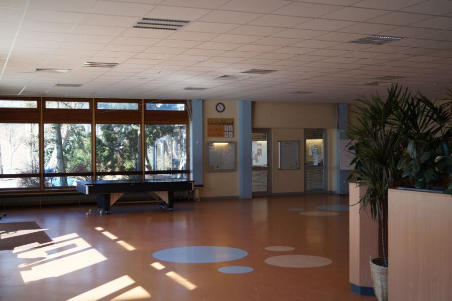 Die Pausenhalle