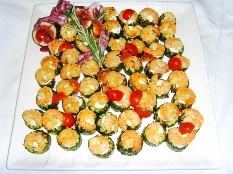 Garnele auf Gurkenkrönchen