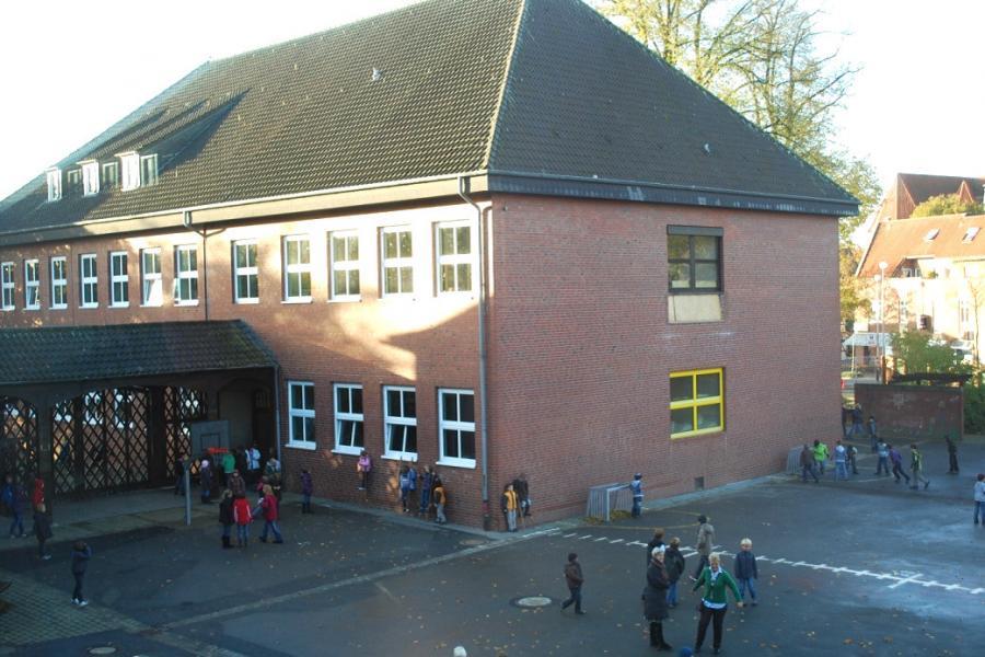 Gebäude12