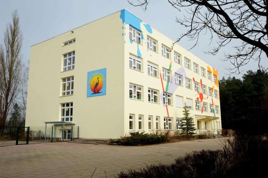 Schulgebäude März 2015