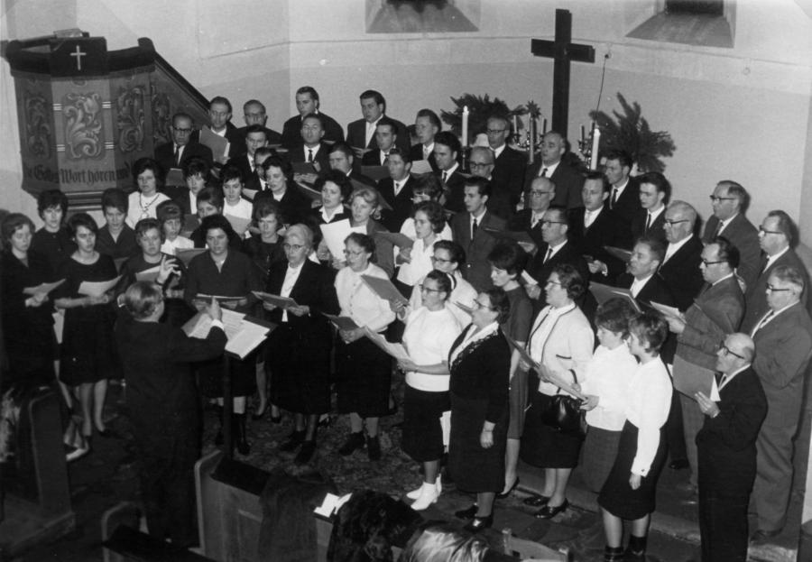 Gemischter Chor beim Kirchenkonzert