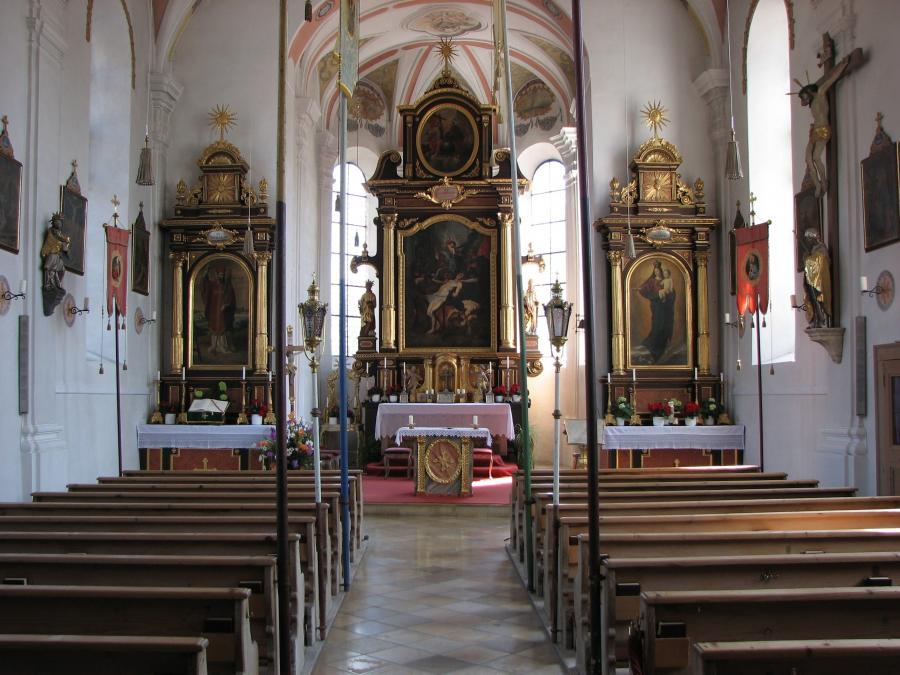 Kirche-innen-gesamt