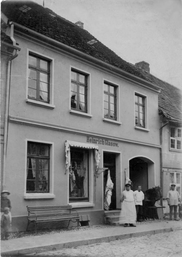 Schlachtereigeschäft von Heinrich Glasow in der Mühlenstraße 3