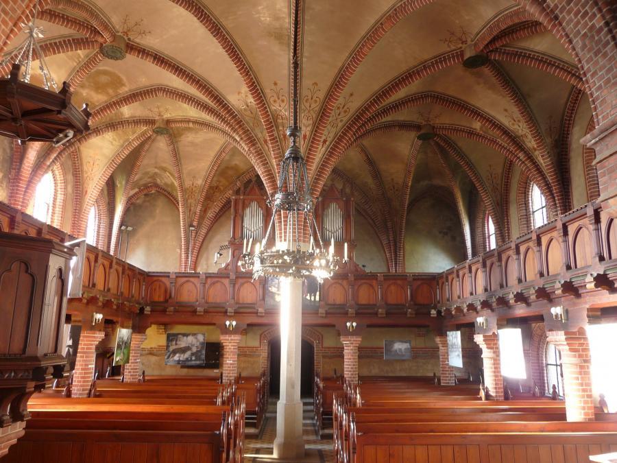 Innenraum der Kirche in Gnevsdorf