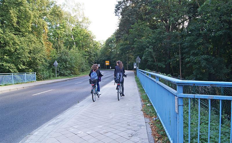 Neue Rad- und Gehwegdecke in der Granseer Straße (2016)