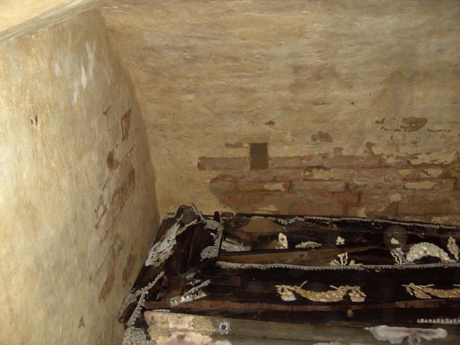 Gruft Vieregg in der Schorrentiner Kirche (1)