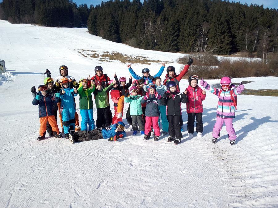 Skifahrer Gruppenfoto