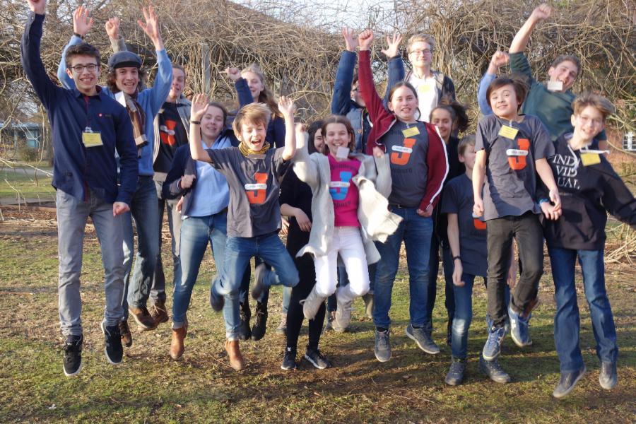 """Gruppenfoto """"Jugend forscht""""-Regionalwettbewerb 2019"""